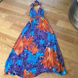 VS- Moda International floral maxi dress
